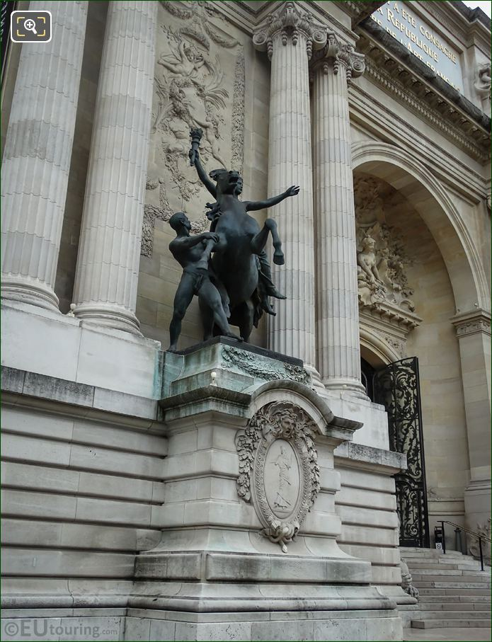 Grand Palais Statue Science Marching In The Spirit Of Ignorance