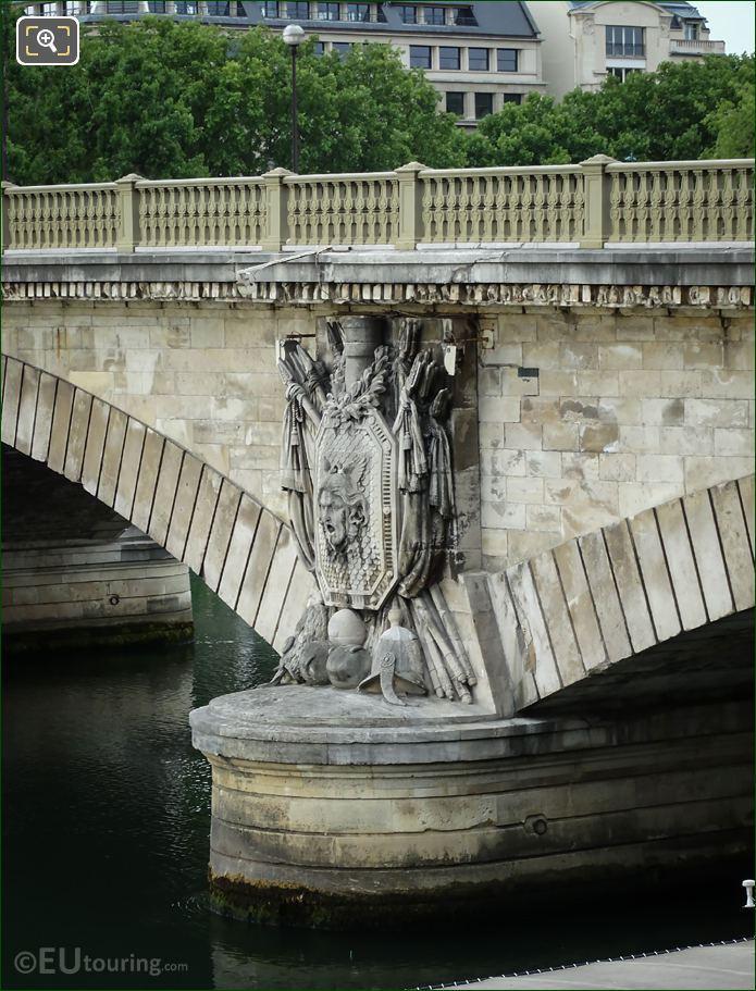 Military Trophy Sculpture Pont Des Invalides Eastside