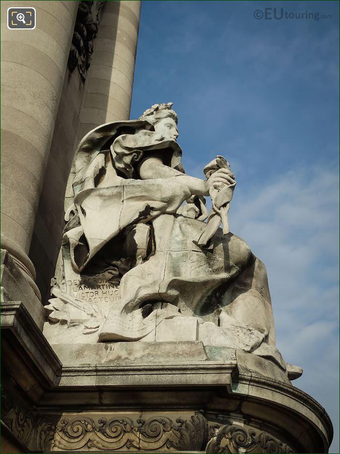 La France Contemporaine Statue East Side