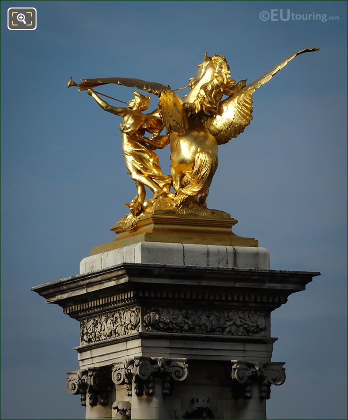 Equestrian Statue Renommee De La Guerre