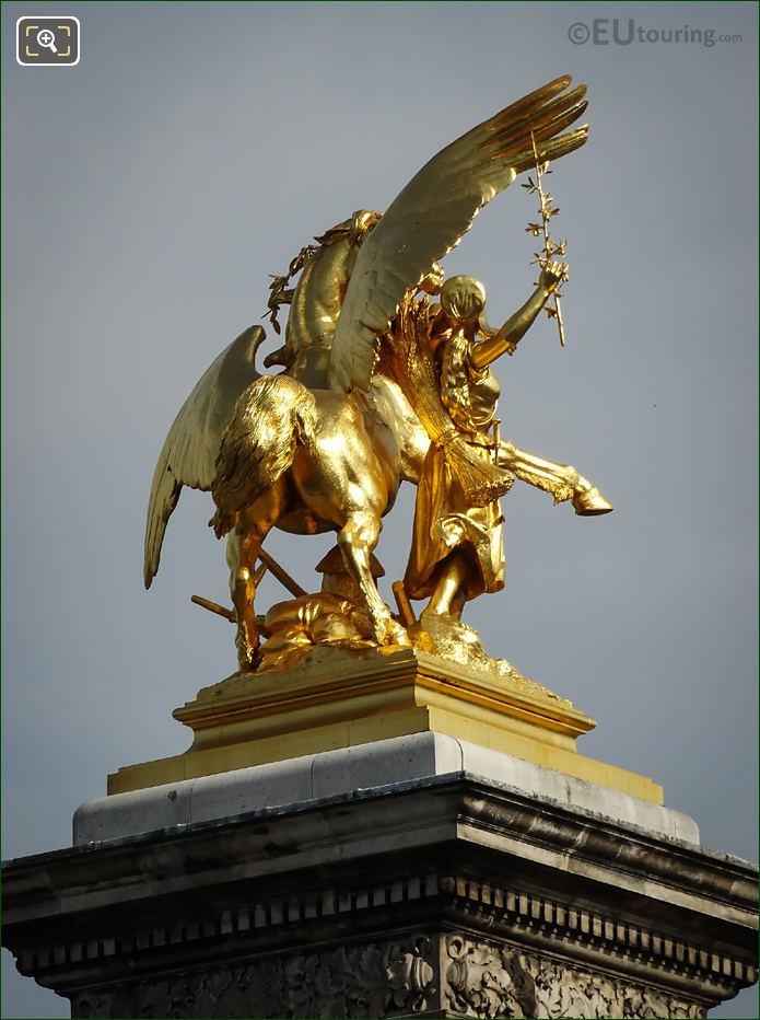 NW Pegasus Statue Pont Alexandre III