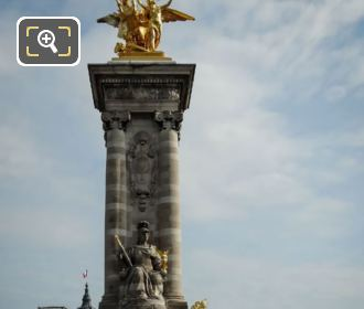 France De Louis XIV Pont Alexandre III NW Column