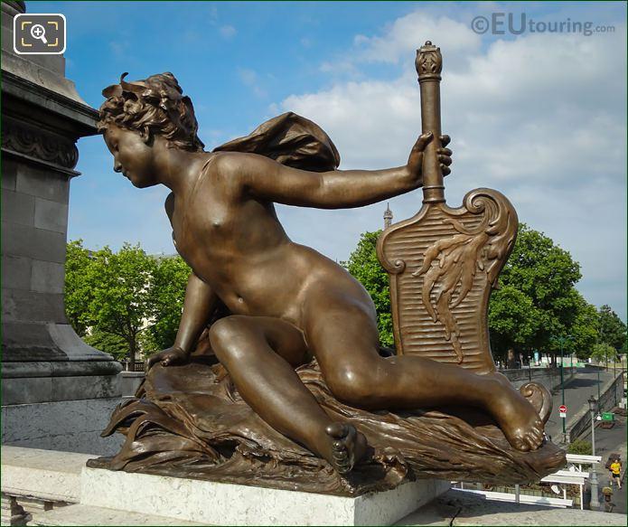 Pont Alexandre III Statue Nereide