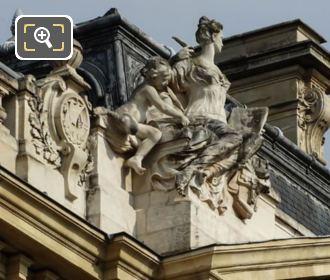 Petit Palais Histoire Statue East Side