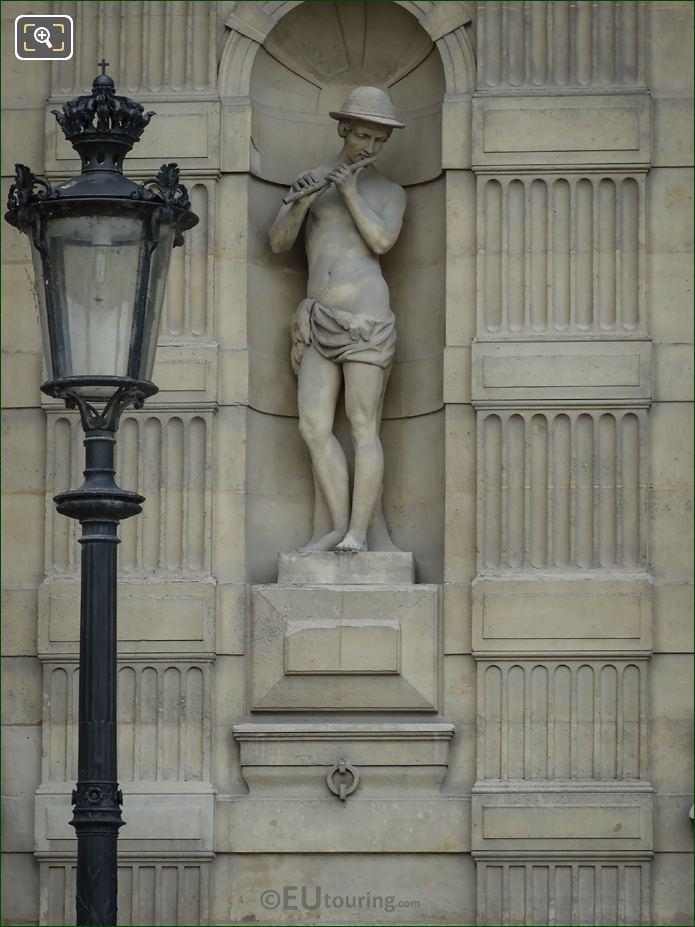 Le Fluteur Statue On Aile De Flore