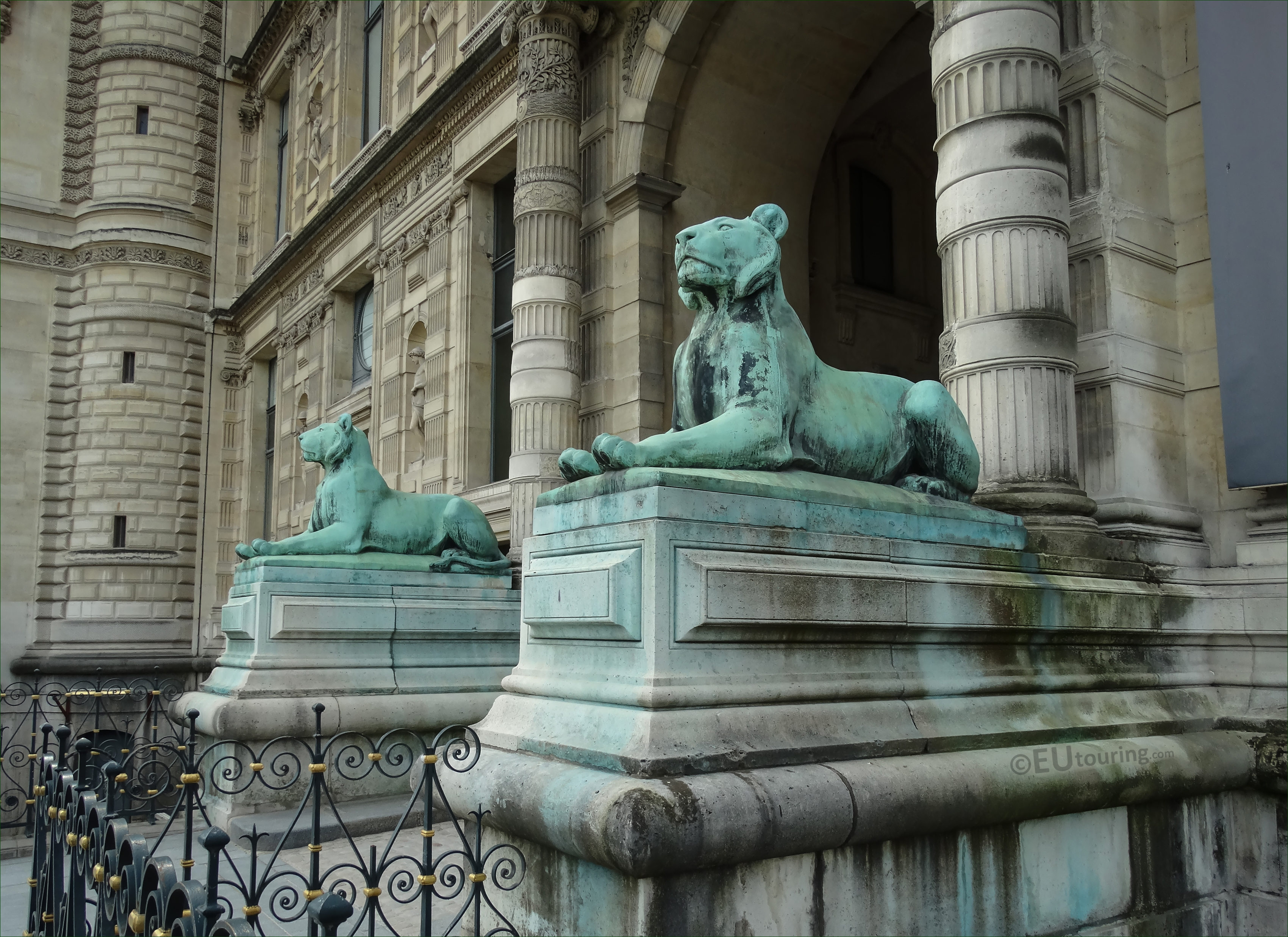 Photos Of Lion Statues By Auguste Cain On Aile Flore