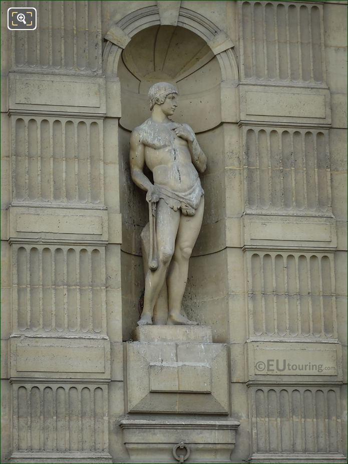 Le Frondeur Statue On Aile De Flore