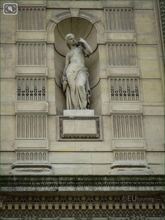Baigneuse Statue Aile De Flore