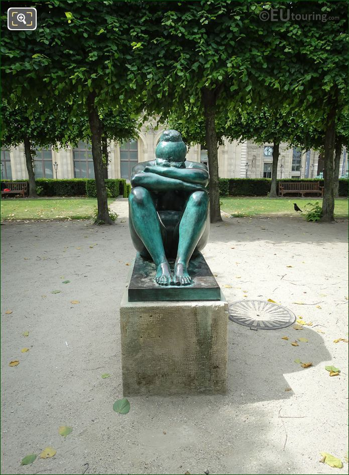 Front Of La Nuit Statue By Aristide Maillol
