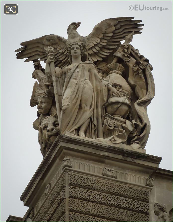 Musee Du Louvre Statue Paix
