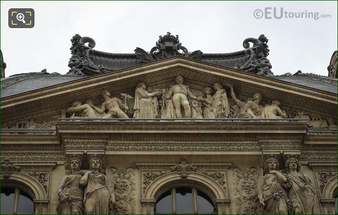 Napoleon III Entoure De La Paix Et Des Arts Sculpture