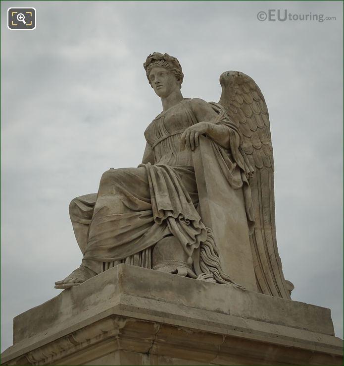 l Histoire Statue North Side