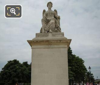 l Histoire Statue In Place Du Carrousel