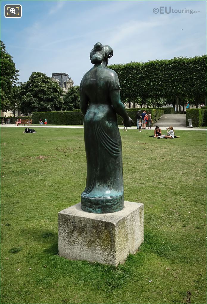 Back View Of Roman Goddess Pomone Statue By Maillol