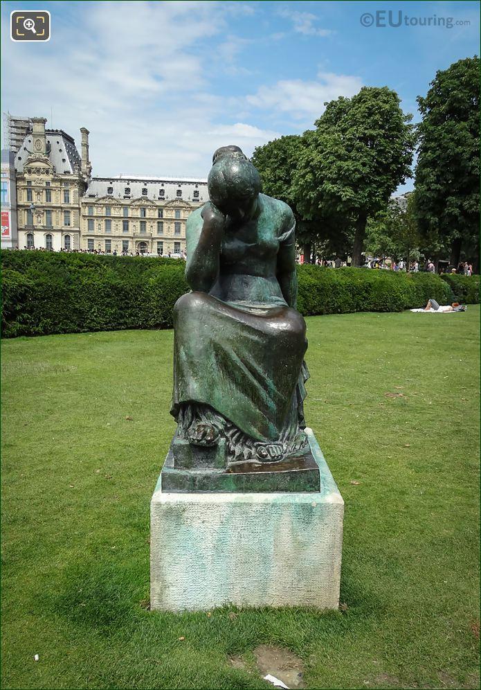 Maillols Statue Douleur Front View