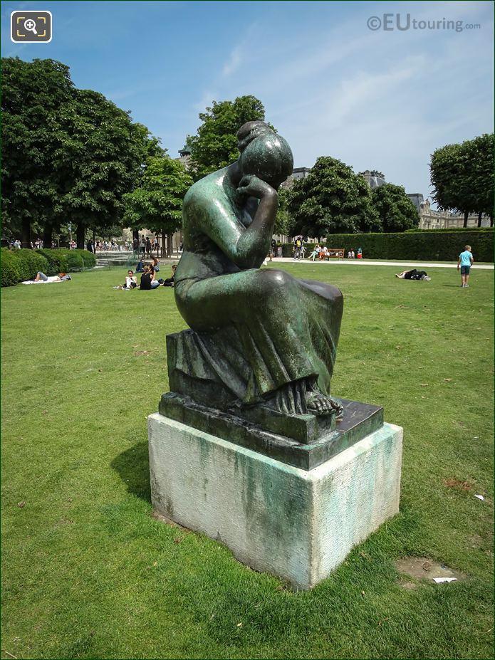 Douleur Statue In Jardin Du Carrousel
