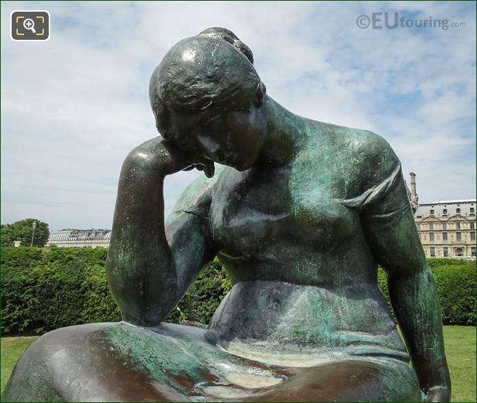 Close Up View Douleur Statue