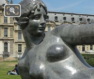 L'Air Memorial Statue