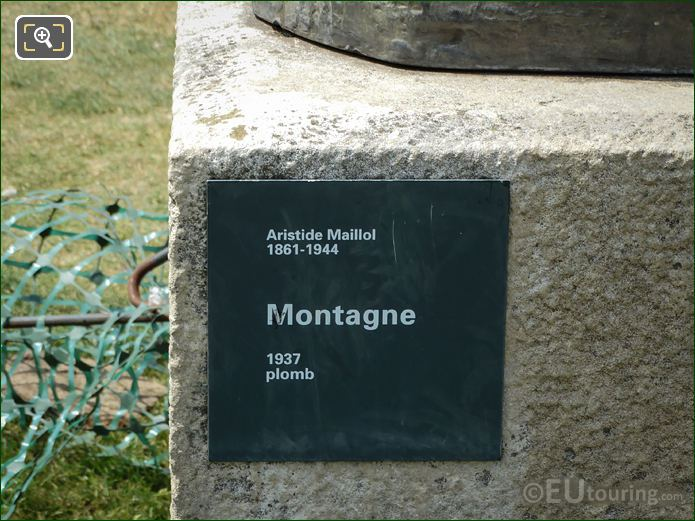Name And Date Plaque On Montagne Statue