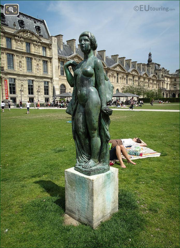 La Baigneuse Drapee Statue With Musee Du Louvre