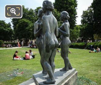 Jardin Des Tuileries Les Trois Graces Statue Group