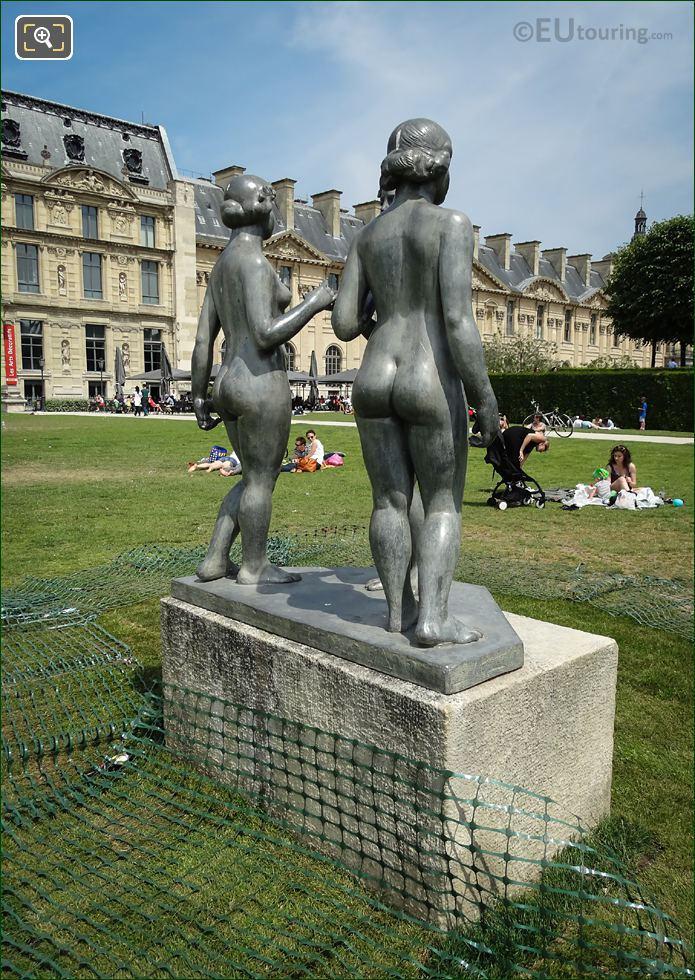 Les Trois Graces Statue On Stone Base