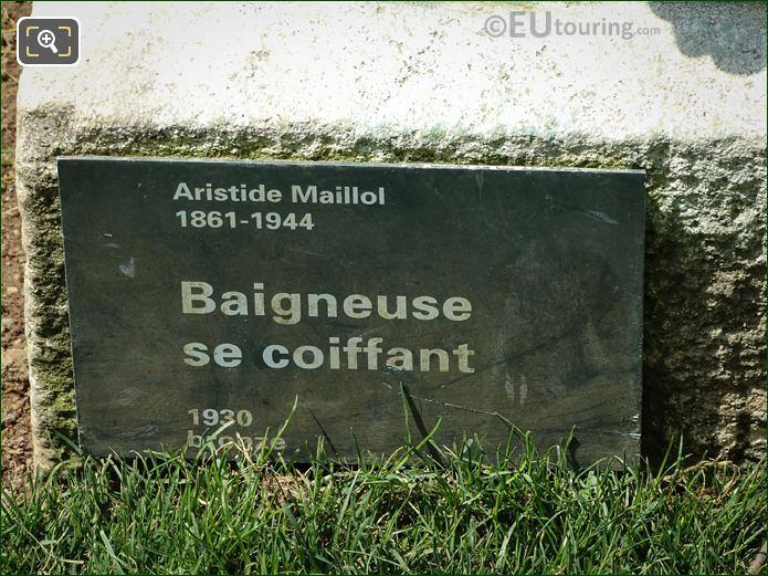 Plaque On Baigneuse Se Coiffant Statue