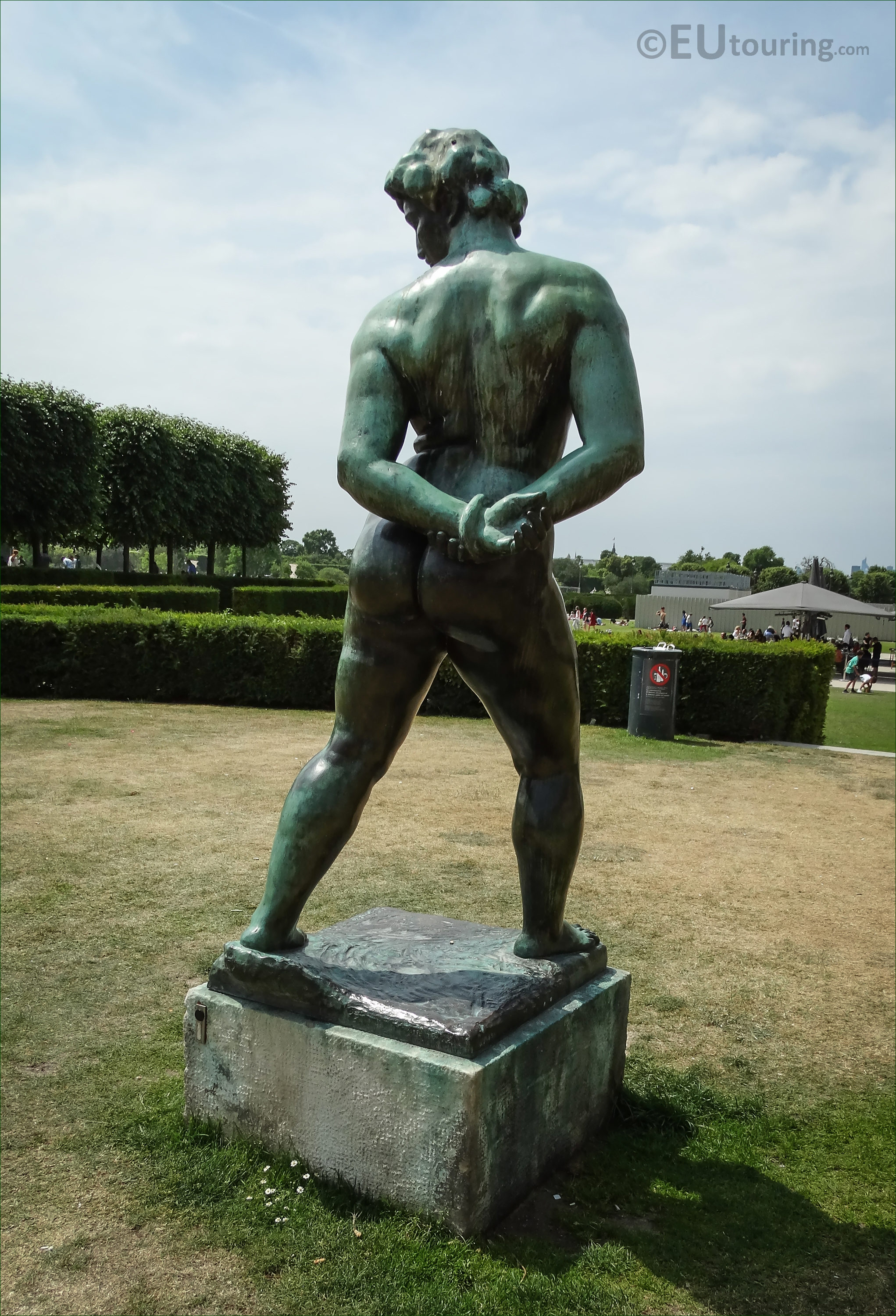 Photos Of L Action Enchainee Statue In Tuileries Gardens