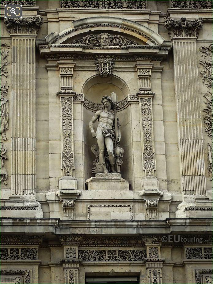 Le Pecheur Statue Grande Galerie Orientale