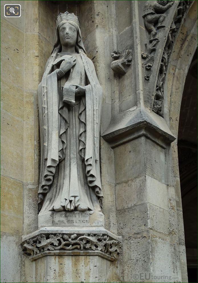 Sainte Clotilde Statue Eglise Saint-Germain l'Auxerrois