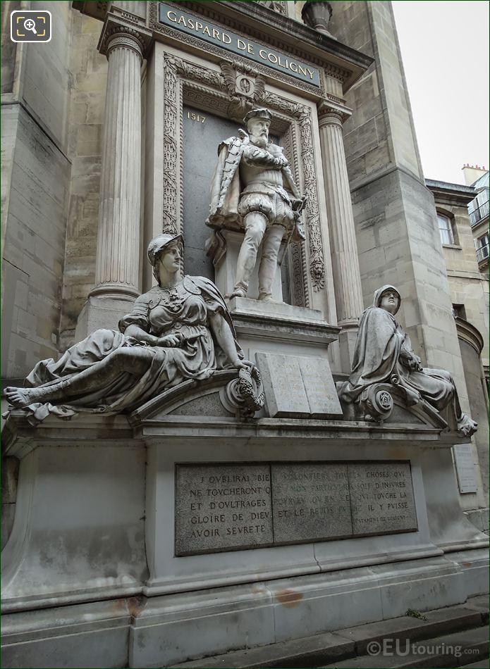 Monument De l'Amiral Gaspard De Coligny Sculptrds