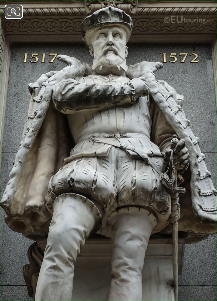 Gaspard De Coligny Statue At l'Oratoire Du Louvre