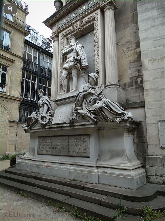 Monument De l'Amiral Gaspard De Coligny At l'Oratoire Du Louvre