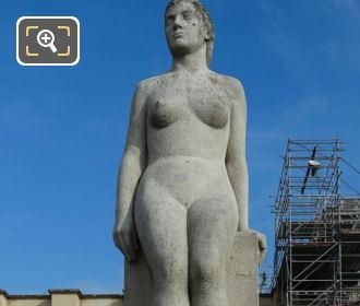 La Femme Statue By Daniel Bacque