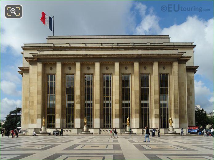 Palais Chaillot NE Facade With Les Oiseaux Statue