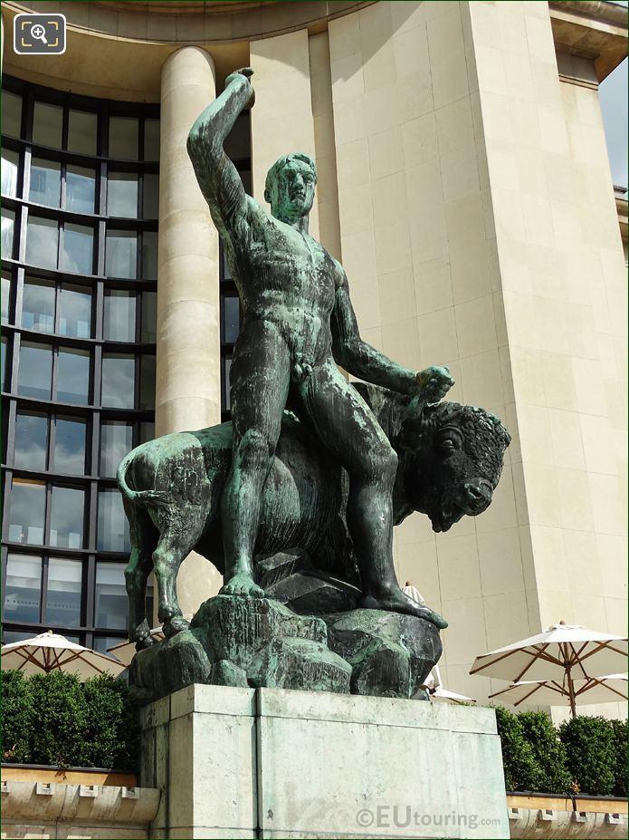 Hercule Et Le Taureau Statue Palais Chaillot