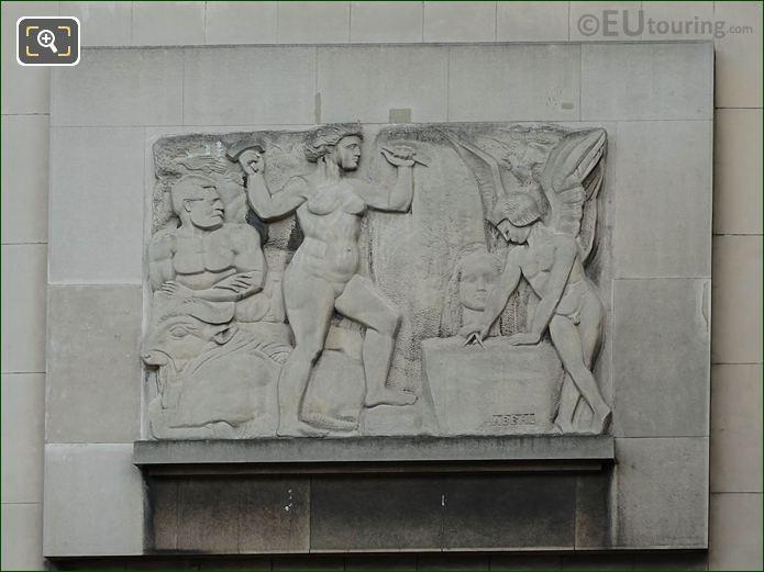 La Sculpture On Palais De Chaillot NW Wing