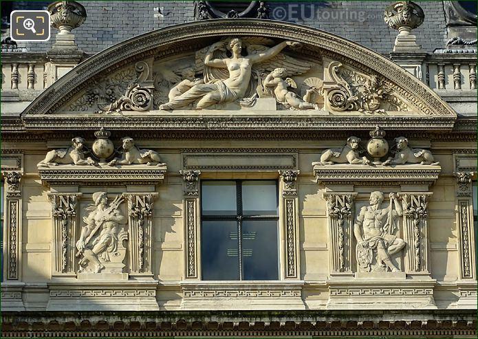 Aile De Flore La Gloire Sculpture Musee Du Louvre