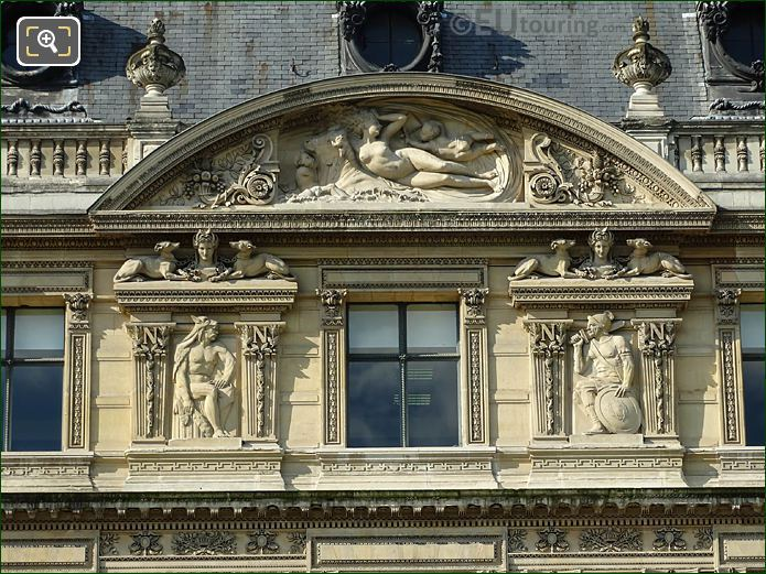 Aile Flore Pediment Sculpture Enlevement d'Europeon