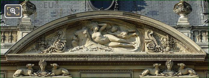 Enlevement d'Europeon Sculpture On Aile Flore Wing