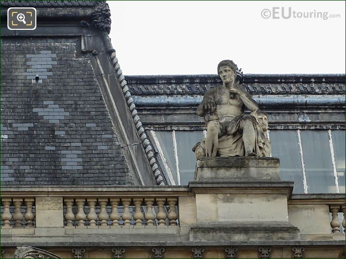 La Sculpture On Pavillon Lesdiguieres