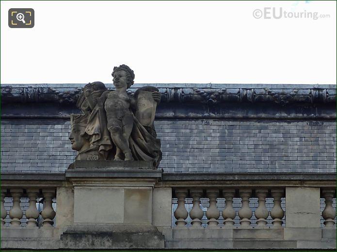 North Facade Pavillon Des Etats With The Histoire Statue