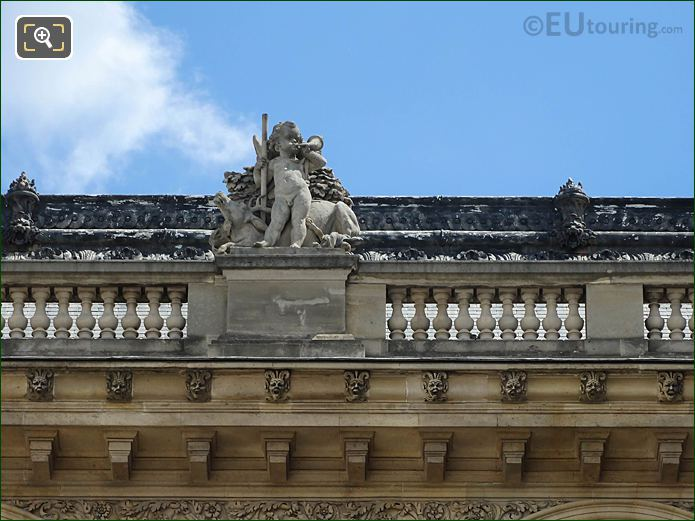 West Facade Aile Henri II La Chasse Statue