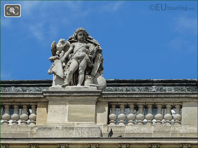 South Facade Aile Colbert With L'Art Romain Statue