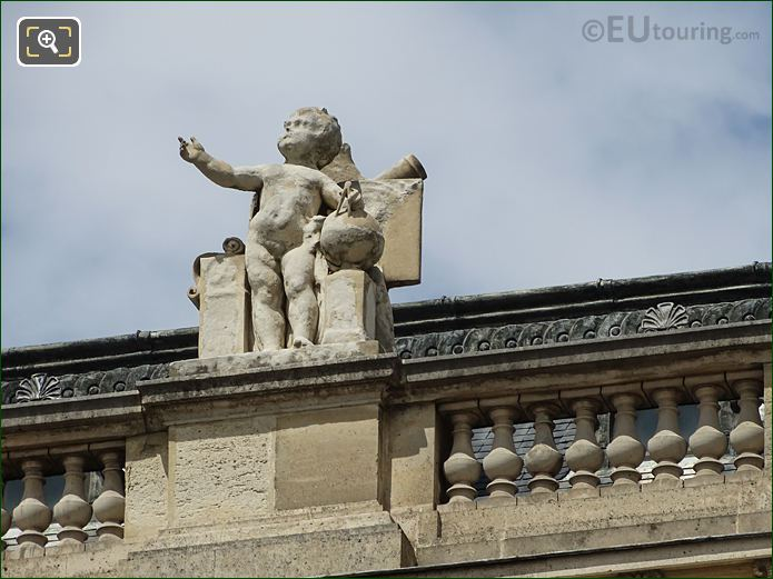South Facade Aile Colbert With L'Astronomie Statue