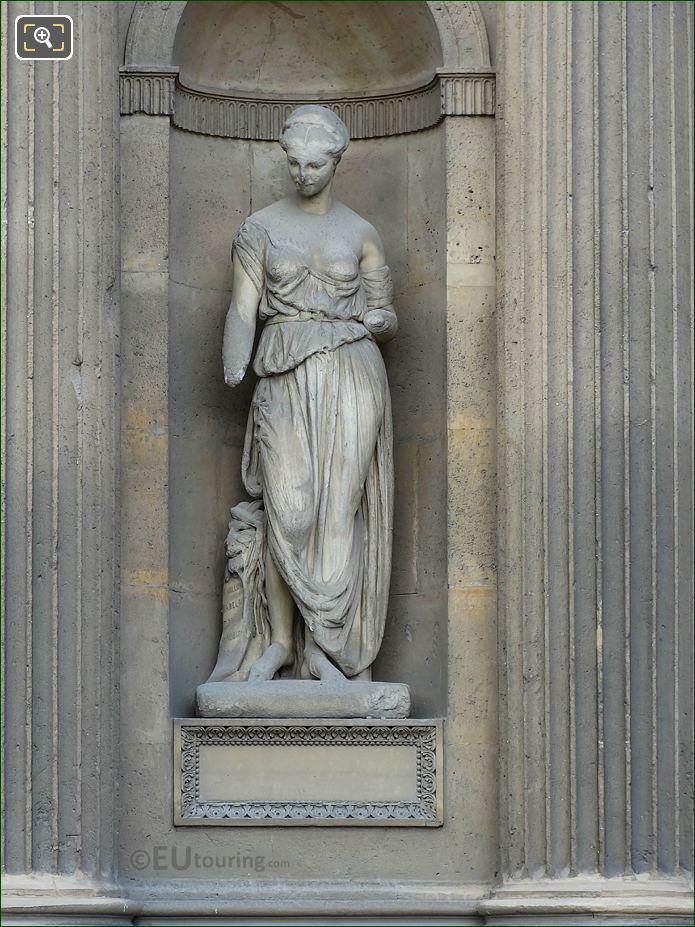 Litterature Satirique Statue Aile Nord Musee Du Louvre