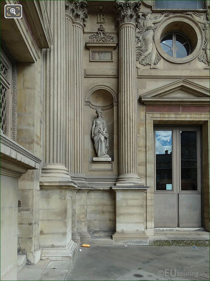 Aile Est Facade With Marble Sapho Statue
