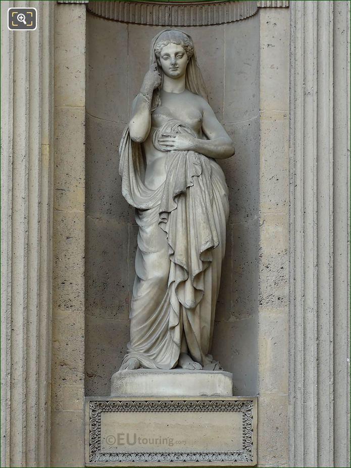 Marble Modestie Statue Aile Est Musee Du Louvre