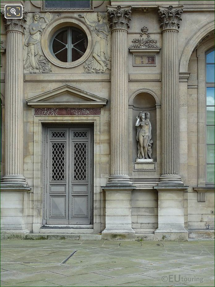 North Facade Aile Sud With Omphale Statue