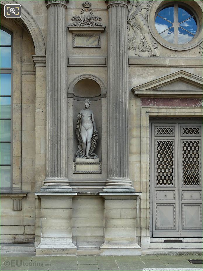 North Facade Aile Sud With Leucothea Statue